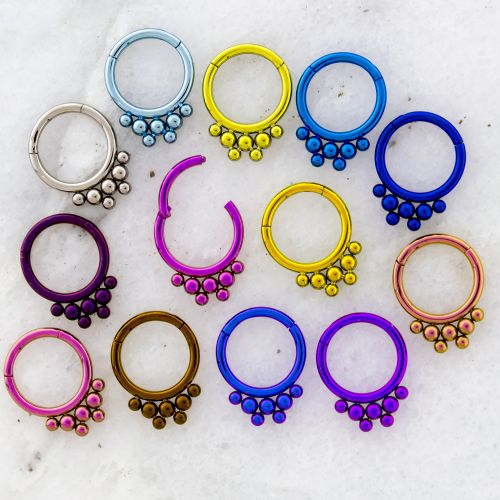 16G MULTIPLE BEADS TITANIUM HINGED SEGMENT RING