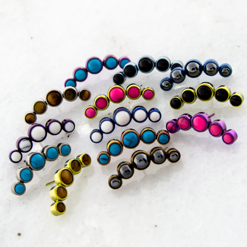 THREADLESS TITANIUM CABOCHON CRESCENT CLUSTER